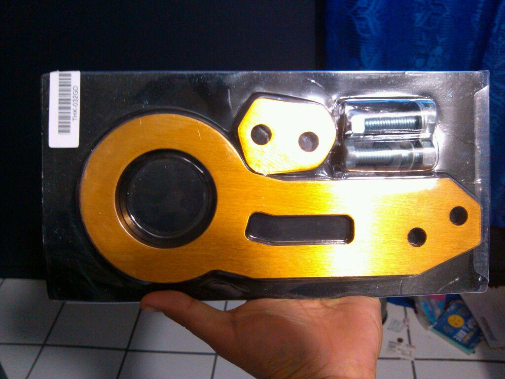 Anyone got Tow Hooks?-uploadfromtaptalk1360023986696.jpg