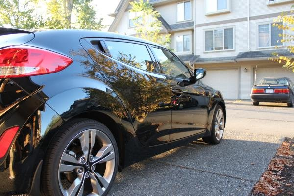 Showcase cover image for 2012 Black Veloster manual w/tech