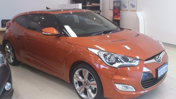 Showcase cover image for salsacorp's 2013 Hyundai Veloster +